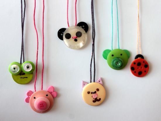 button crafts animal necklace