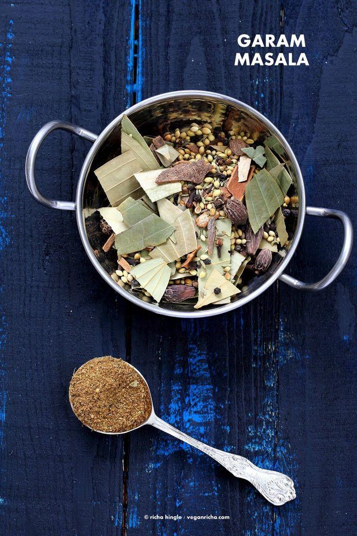 私の今ビーガンRichaのインドの台所からガラムマサラレシピ。 「ガラム」は、この文脈でホットと「マサラ」とはスパイスのブレンドを意味することを意味します。 ガラムマサラスパイスブレンドは、多くの場合、インド料理で使用されます。 ローストに、あなたは自分の作るか、どこで購入し、より多くのために、ローストしない方法をご覧ください。 ビーガンレシピ|  VeganRicha.com