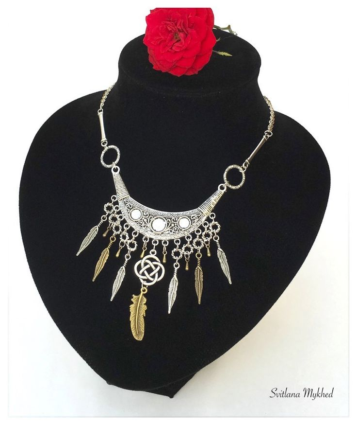 """Collier - chaîne plastron Amérindien """"Plumes"""". Création unique. : Collier par perles-et-couronnes"""