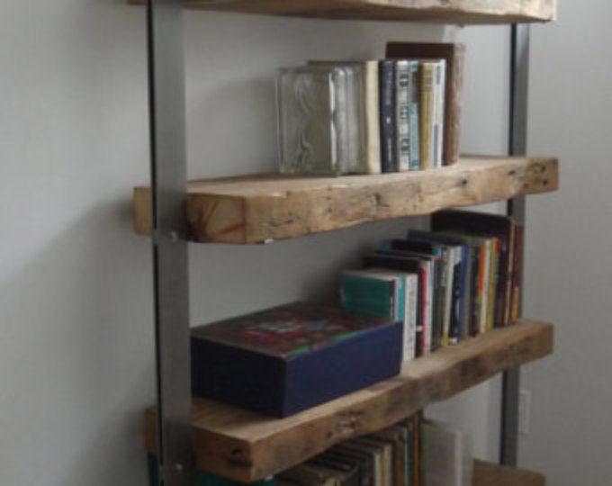 Recuperado granero madera y estantes de Metal hecho a mano. Estanterias industriales. Estantería rústica. Estanterías de pie. Decoración rústica.