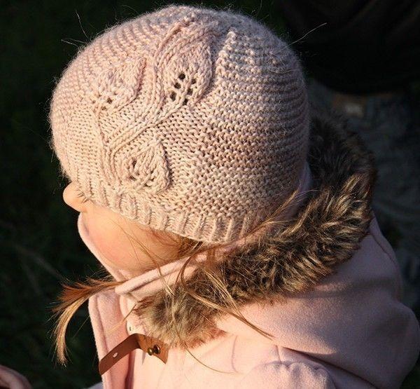 A Leaf Falls - Bonnet  et col enfants et adultes - Tricot - Modèles de tricot chez Makerist