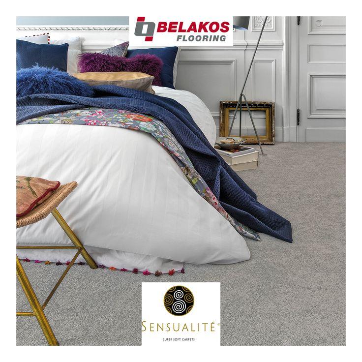 Suspense uit de Sensualité® tapijtcollectie, beschikbaar in 16 kleuren.  Deze tapijtcollectie is gemaakt van superzacht polyamide garen. Wie wil er niet gewoon op blote voeten uit bed op een zijdezacht, warm en comfortabel tapijt opstaan, een tapijt dat tevens zeer duurzaam is? Sensualité® is verkrijgbaar in 8 kwaliteiten én bijna alle kwaliteiten zijn beschikbaar op 400cm en 500cm breed!