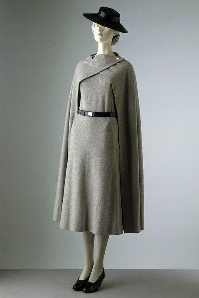 Day dress Place of origin: Paris, France Date: 1933 Artist/Maker: Vionnet Materials and Techniques: Woollen jersey, felt, chrome and leather Museum number: T.302&A, I, F-1971 | V&A