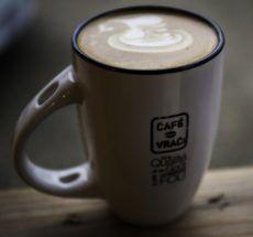#Promo #Noël 🎁 🎄  Jusqu'au 14 décembre, recevez une belle tasse Café-Vrac (et sa cuillère assortie!) en cadeau!  Faites vite! Les quantités sont limitées 🕒...   www.cafe-vrac.com