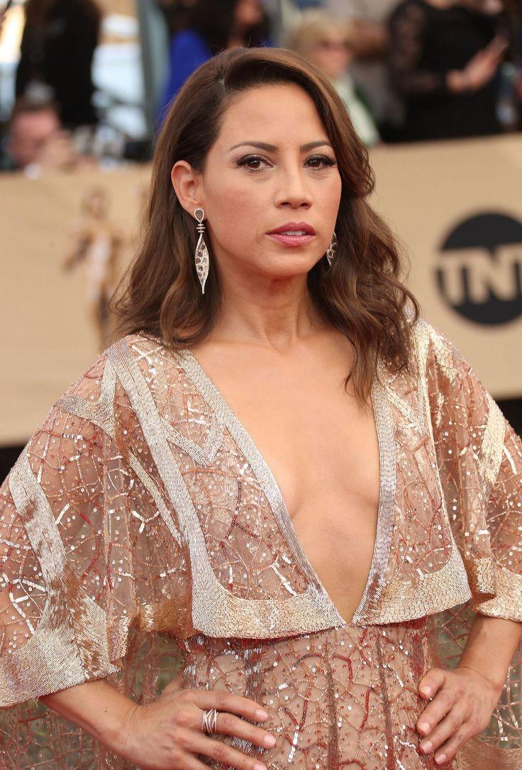 Elizabeth Rodriguez  #ElizabethRodriguez SAG Awards in Los Angeles 29/01/2017 Celebstills E Elizabeth Rodriguez