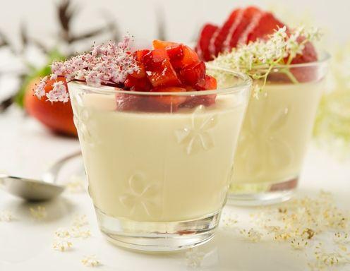 Holunderblüten-Panna-Cotta #Rezept #recipe #dessert #sweet