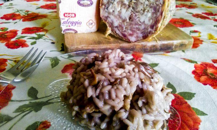 #risotto con #funghi #taleggio e #rosmarino... Buonissimo!! La #ricetta su #kitchengirl.it!  http://www.kitchengirl.it/bocconcini/risotto-funghi-taleggio-e-rosmarino/  #blog #tacchiepentole #cucinavegetariana #Veg #ricetta #cucina #amicincucina #lacucinaitaliana #cucinaitaliana #ricetteperpassione #pranzoitaliano #dolce_salato_italiano #clarinafood  #italianfoodbloggers #cucinoperamore #italiancheese #cucina