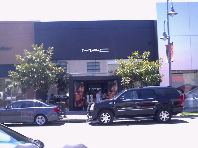 MAC Cosmetics store at the Temecula Promenade mall, this store open as an expantion to Macy's MAC Cosmetics counter inside the store, now MAC has 2 locations, Macy's cosmetics counter at Macy's Women's and this boutique next to Apple Computers     get Mac item gift card before its too late