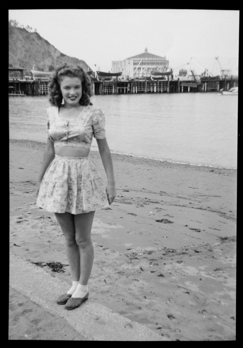 (Norma Jeane, Catalina Island)  24 miles accross the sea, Santa Catalina is a waiting' for me!  Time to vaca!,