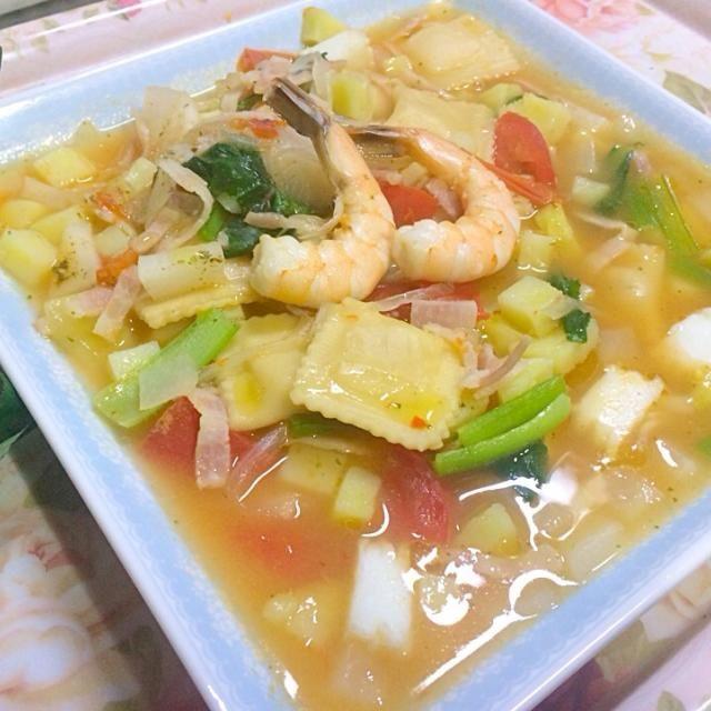 たまにはイタリアン(^O^) - 21件のもぐもぐ - 野菜たっぷりシーフードのラビオリ by happy3