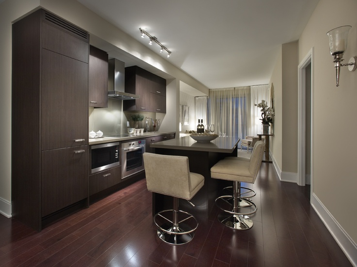A Beautifully Open Kitchen In Reve Condos In Downtown Toronto The Island Is Perfect For Casual Meals Or Entertaining Http Www Tridel Com