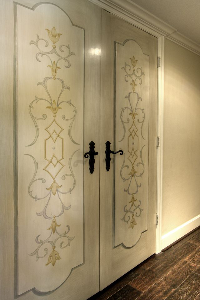 Lovely panel design by Segreto Finishes.
