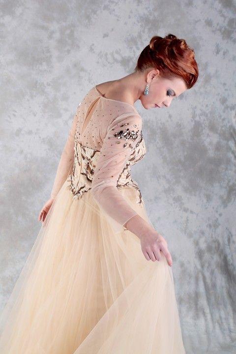 Spoločenské šaty Svadobný salón Valery, šaty na ples, šaty na stužkovú, šaty s dlhým rukávom, šaty s veľkou sukňou