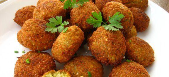 Δες εδώ μια πολύ νόστιμη συνταγή για ΦΑΛΑΦΕΛ ΑΚΗΣ ΠΕΤΡΕΤΖΙΚΗΣ, μόνο από τη Nostimada.gr