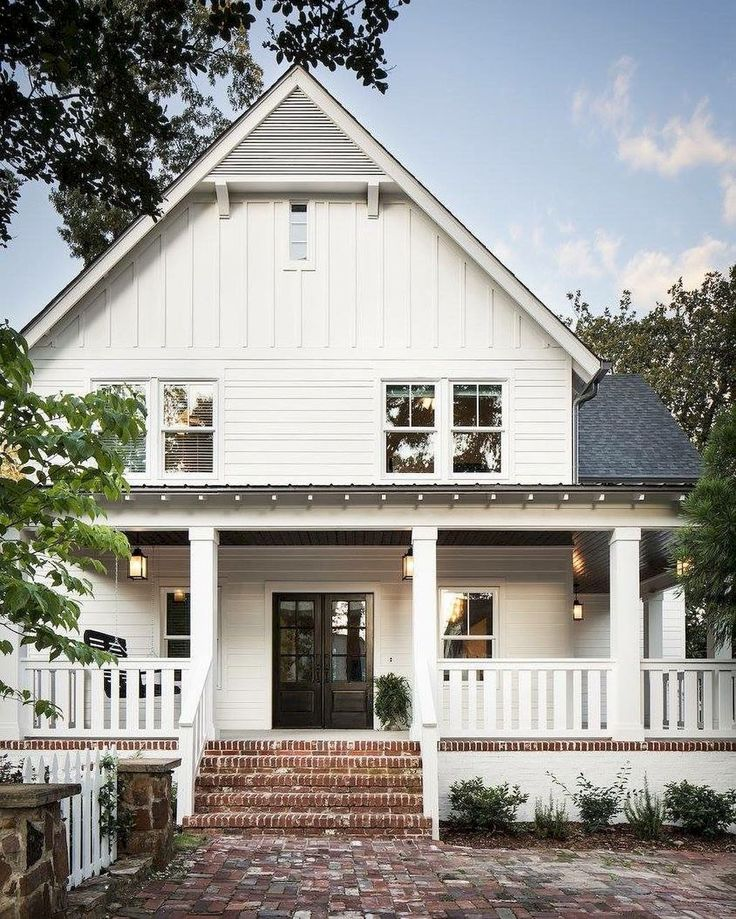879b3b6db22ea1d0a78e2361e660186f - 70 stunning farmhouse exterior design ideas (1)