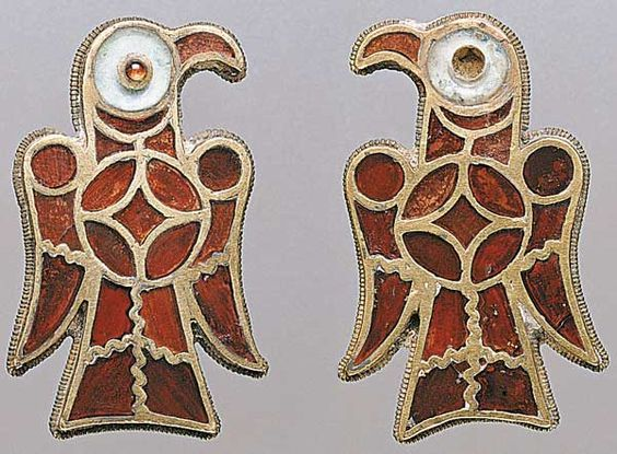Fibule gote a forma di aquila, V-VI secolo / Gothic fibulae in the form of an eagle, 5th-6th century
