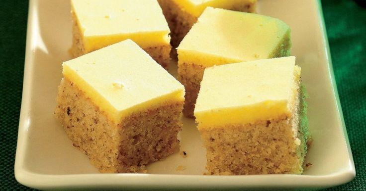 Pripravte si recept na Orechové kocky s nami. Orechové kocky patrí medzi najobľúbenejšie recepty. Zoznam tých najlepších receptov na online kuchárke RECEPTY.sk.