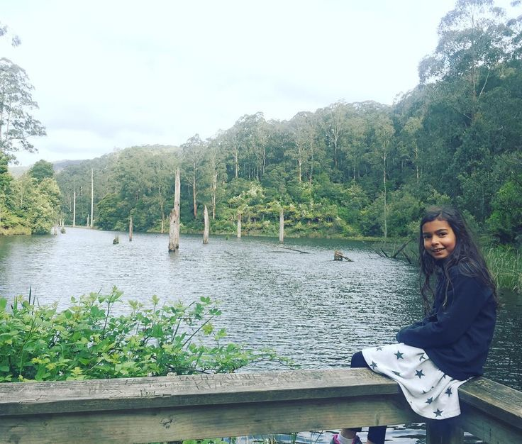 Lovely weekend away with my fam. Anja and I went on a bush walk to visit this magical spot - Lake Elizabeth while the boys went mountain biking. So pretty. #fitfam #active #otwaynationalpark