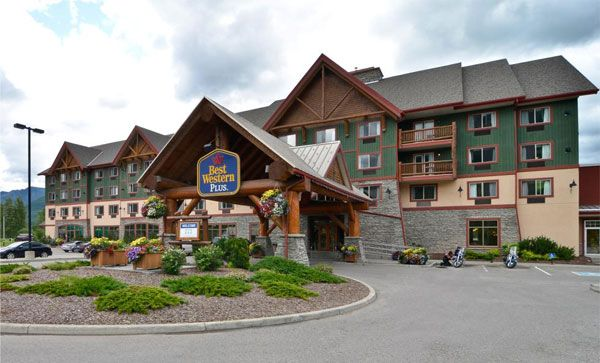 Best Western Fernie, BC - With 95 luxurious guest rooms and executive, kitchenette, and Jacuzzi suites, our Fernie hotel offers guests ultimate comfort in a home away from home. Each well-appointed guest room features a refrigerator, microwave, LCD TVs and high-speed Internet access.
