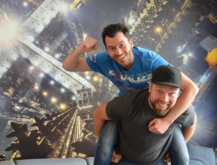 Beim Code+Design Camp Köln sind Christian und Erik vom Team Sevenval als Coaches dabei - und bereit für die Projektideen von 130 Jugendlichen, die Lust auf Coding und UX haben!