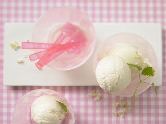 Rezept: Holunderblüten-Joghurt-Eis