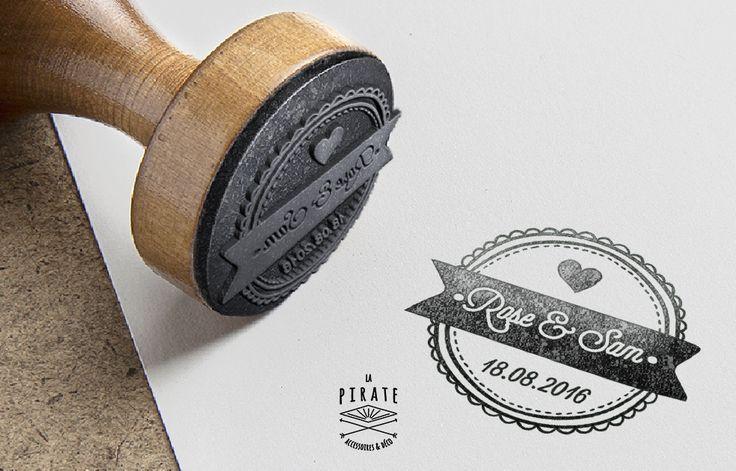 """Tampon mde Mariage """"Macaron"""" - Tampon en bois personnalisé - La Pirate"""