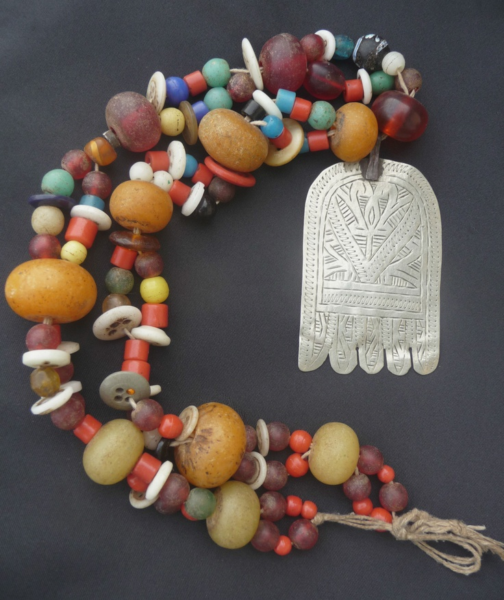 Africa | Old Berber Necklace - Hand of Fatima - Rif Mountains, Morocco. | Mid 20th century or earlier. | Glass and resin beads, buttons. | 179$