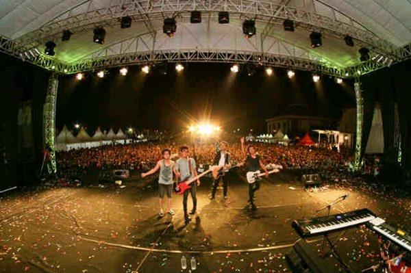 Last Child on Gen Fest Surabaya 2012