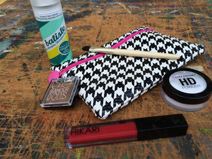 I honestly kind of forgot about my ipsy bag this month, so I was pleasantly surprised when I checked the mail and it was in there a few weeks ago. Things have been so crazy I had not tr...
