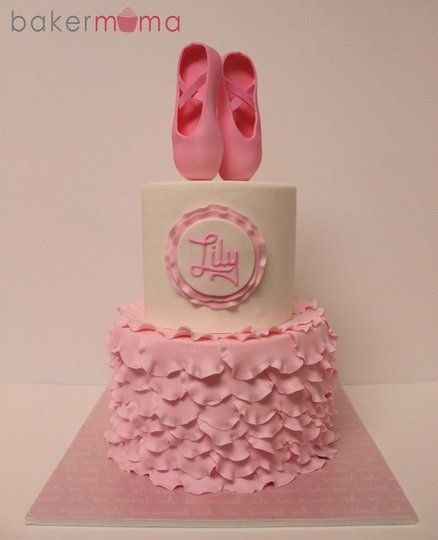 17 best images about cake ideas ballerina on pinterest for Ballerina cake decoration