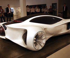 The concept Mercedes-Benz Biome is super light vehicle that utilizes technologies from the nature.Mercedes-Benz Symbiosis is a system in which the vehicle becomes part of the ecosystem. It collects energy from the sun and stores it as a fluid called BioNectar4534.