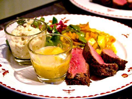 Grillat nötkött med asieninspirerad sallad | Recept.nu