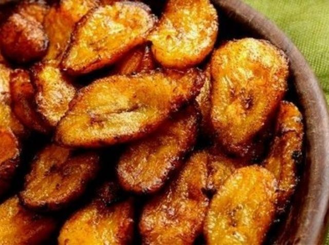 How to Make Platanos Maduros (Sweet Fried Plantains) Recipe