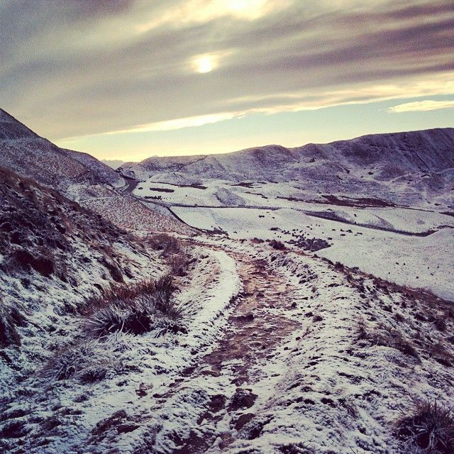 Beautiful Edale in the snow yesterday. Just breathtaking. Must go more often. #snow #walking #twitter