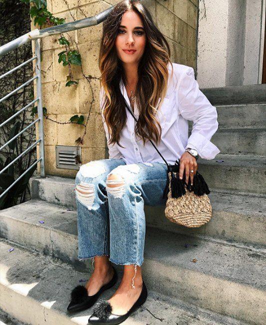 Рваные джинсы летом – незаменимая вещь. Модно, практично, удобно. Загляните к нам в JiST и мы вам поможем подобрать вам вашу новую любимую пару. Ул. Саксаганского 65. #fashion #outfitidea: #stylish & #trendy #destroyed #jeans help create #chic #summer #outfit  #мода #стиль #тренды #джинсы #модно #стильно #киев #распродажа #скидка