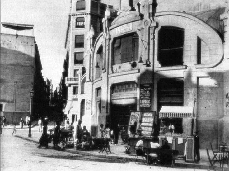 Antiguo cine Olimpia en la Plaza de Lavapies. Tomada de Antonio Nabú a través…