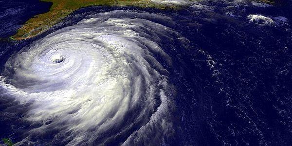 Terug in de tijd de wereld van natuurrampen behoeden.