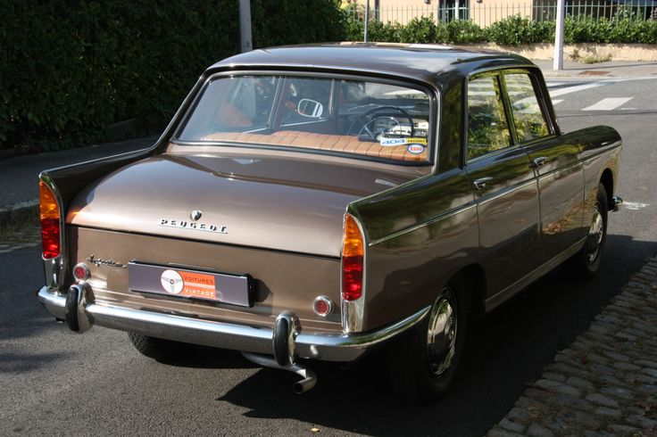 1965 Peugeot 404 Super Luxe Injection | I4, 1,618 cm³ | 88 PS