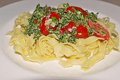 Nudeln mit Spinat, Schafskäse und Tomate 12