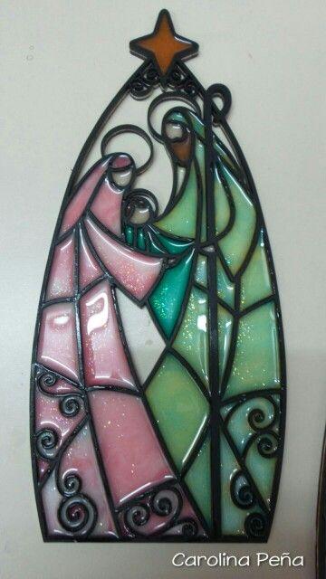 Sagrada Familia pequeña en resina (imitación vitral)