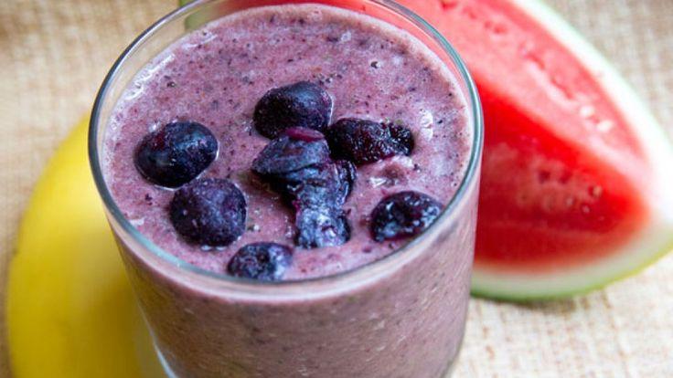 Dnes velmi populární smoothie nápoje jsou již u několika z nás klasikou na snídani nebo svačinu. Inspirujte se těmito recepty na smoothie nápoje, které nastartují vaše tělo a dokonce i shodíte pár kilo.