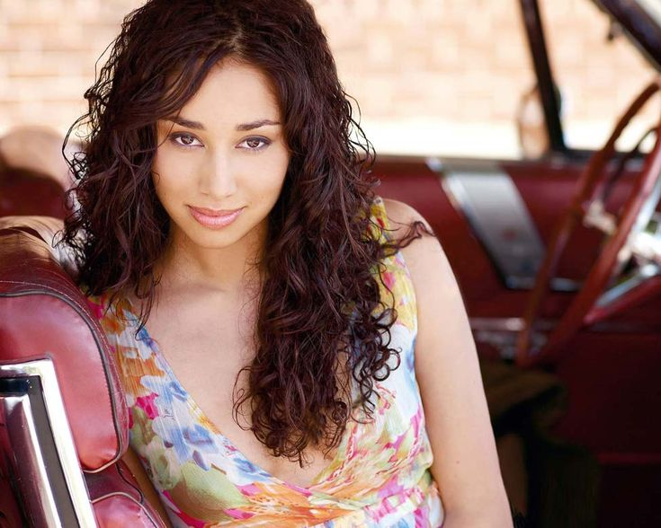 Meaghan Rath, i love BEING HUMAN, I hate that the show is off the air now but i LOVED the love story between Sally & Adian