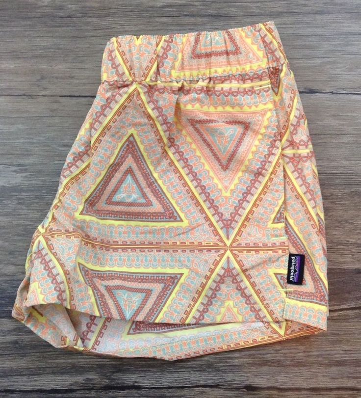 Patagonia Printed Tribal Shorts Womens Sz XS / #Patagonia #CasualShorts