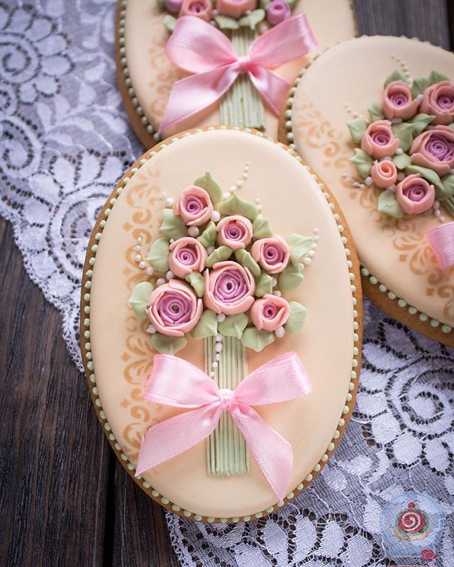So beautiful, cookie decorating, icing, bouquet of flowers
