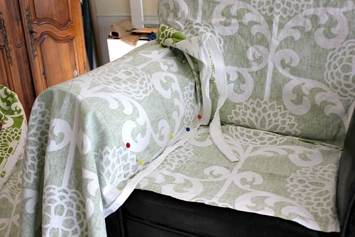 Sew Country Chick: fashion sewing and DIY: Armchair Slipcover Tutorial: #Waverize