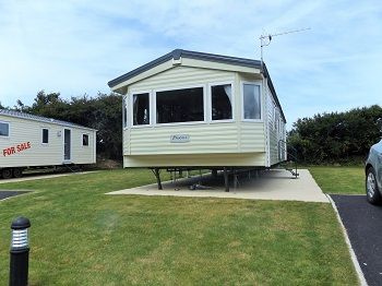 Very clean and  spacious, modern static caravan to rent on Newquay Holiday Park, Cornwall http://www.rentmycaravan.com/properties/newquay-holiday-park-tr8-4hs/