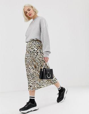 acc25c7644 New Look satin midi skirt in leopard print in 2019 | #2019 | Satin ...