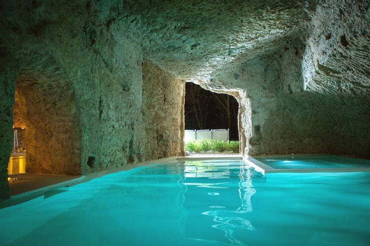 Pool inside a cave in Italy - wowGardens Kitchens, Swimming Pools, Studios Design, Domus Civita, Earth Home, Interiors Design, Underground Home, Hot Tubs, Dreams Pools