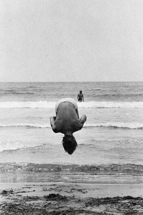 by Elliott Erwitt. 1977.