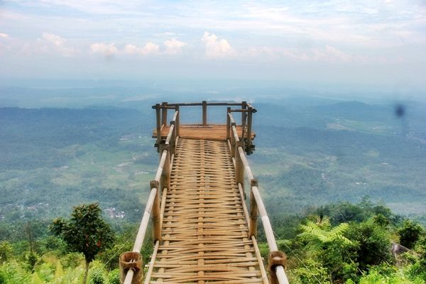 Bukit Secokro Yang Eksotis Di Wonogiri Jawa Tengah Jawa Tengah Alam Taman Nasional Pemandangan